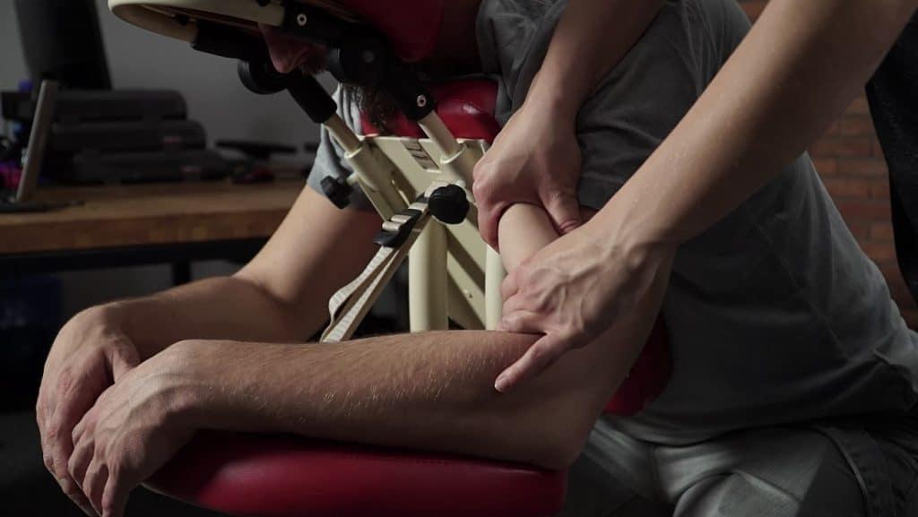 masaż ramion